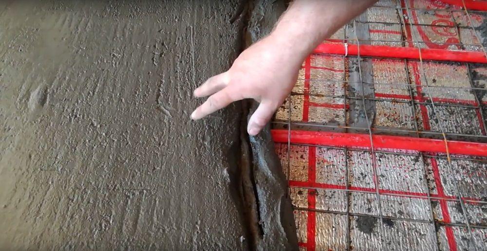 Процесс монтажа стяжки на систему тёплого пола