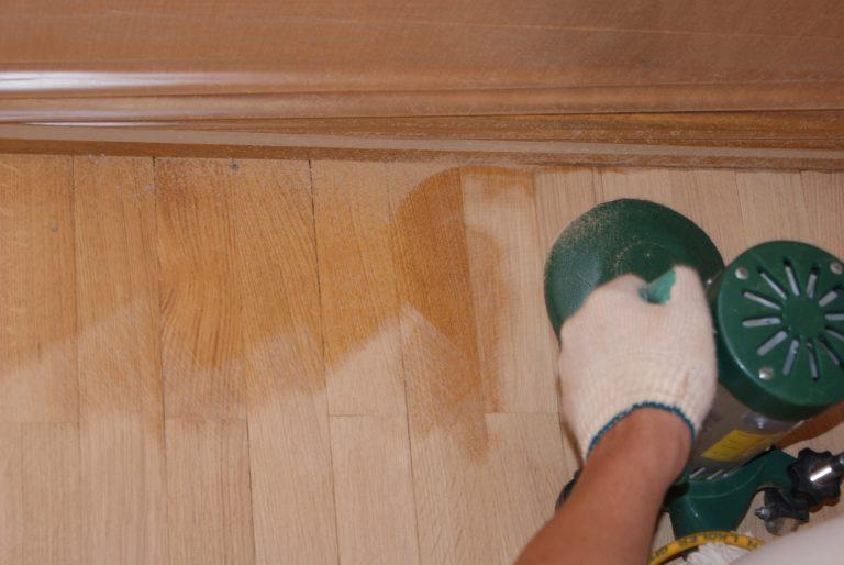 Подготовка деревянного пола для укладки линолеума – шлифовка
