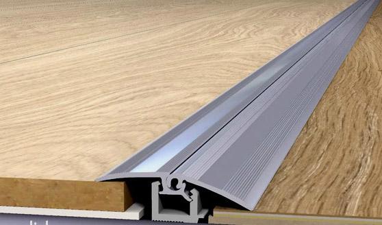 Порожек для стыка ламината и плитки разного уровня
