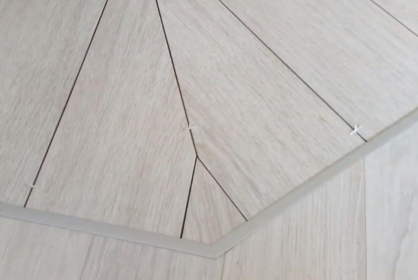 Укладка ламината ломанной линией